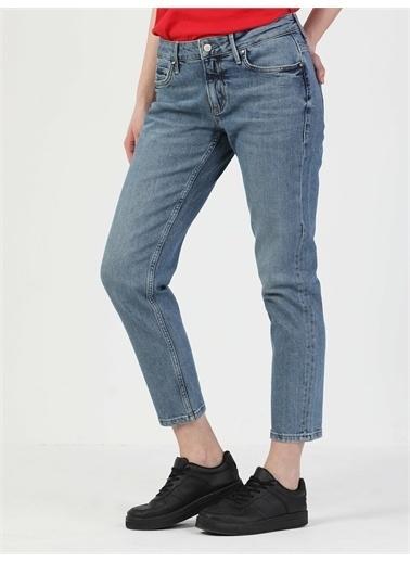 Colin's CL1049677_Q1.V1_DN40999 892 Alına Orta Bel Daralan Paça Slim Boyfriend Fit Mavi Kadın Jean Pantolon Renkli
